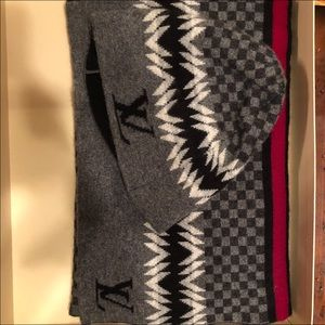Louis Vuitton hat and scarf set